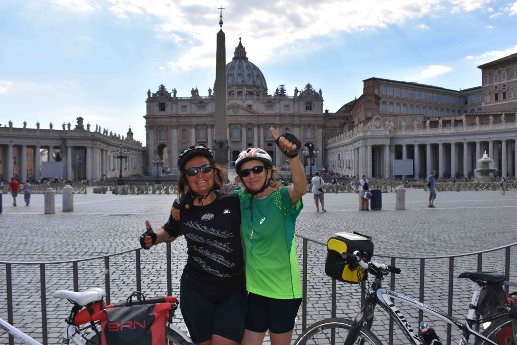 Via Francigena in bicicletta: arrivo in piazza San Pietro