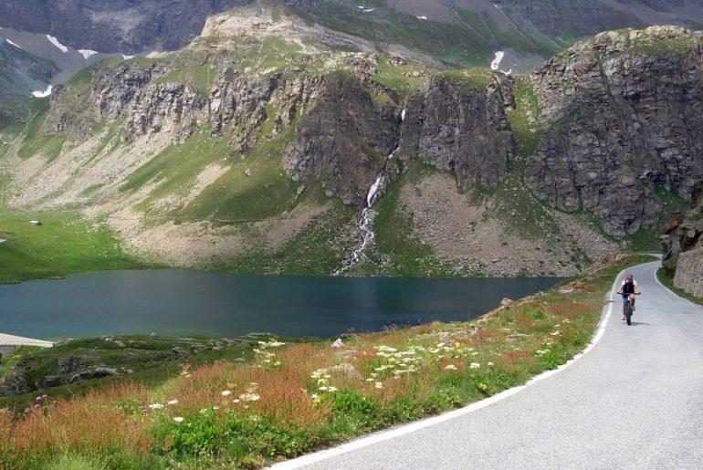 Parco Nazione Gran Paradiso colle del Nivolet in bici