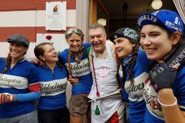 L'Eroica cicliste americane con Cecchini