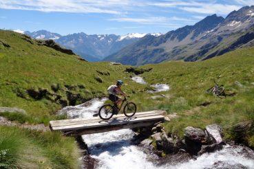 donne e bicicletta Susanna Allegri