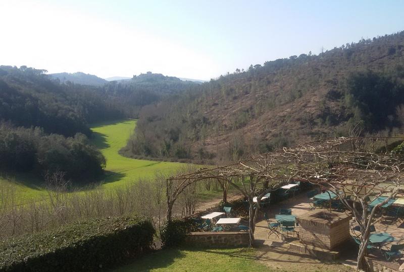 Dalla terrazza del Bosco della Spina, bike hotel in Terra Eroica