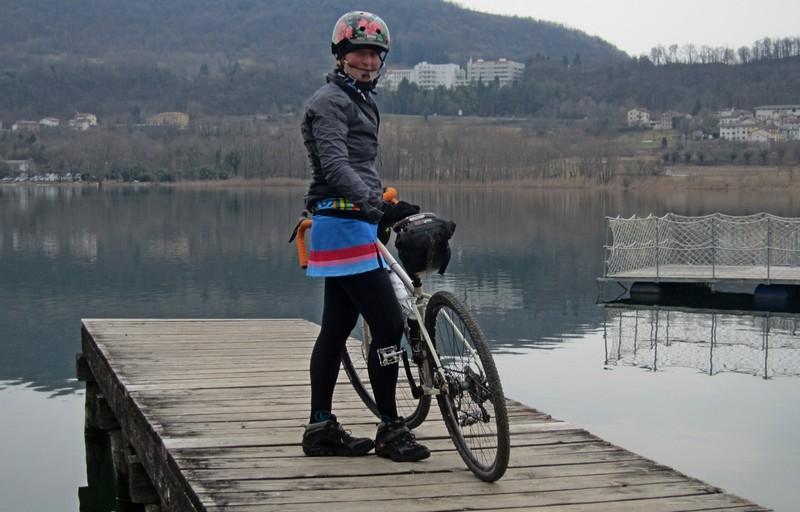 gonna in bici Ladra di biciclette di Mariateresa Montaruli