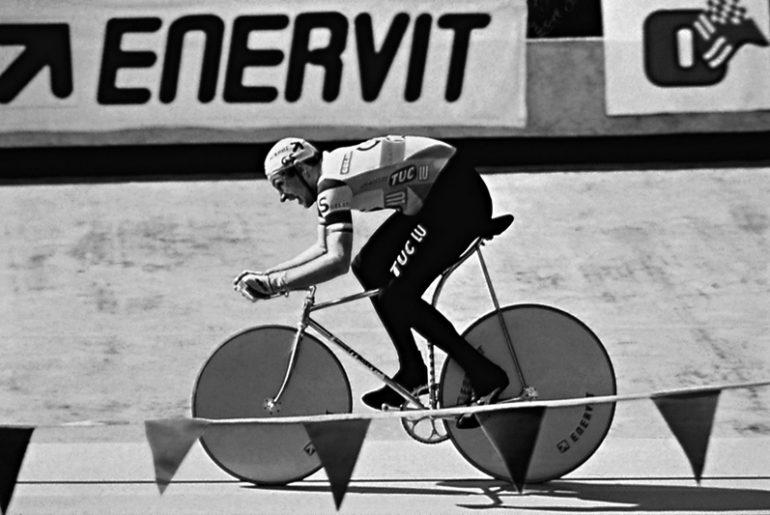 film su Francesco Moser bici del record dell'ora a Città del Messico