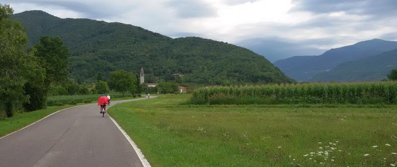 La strada per Caporetto nelle Valli del Natisone in bici