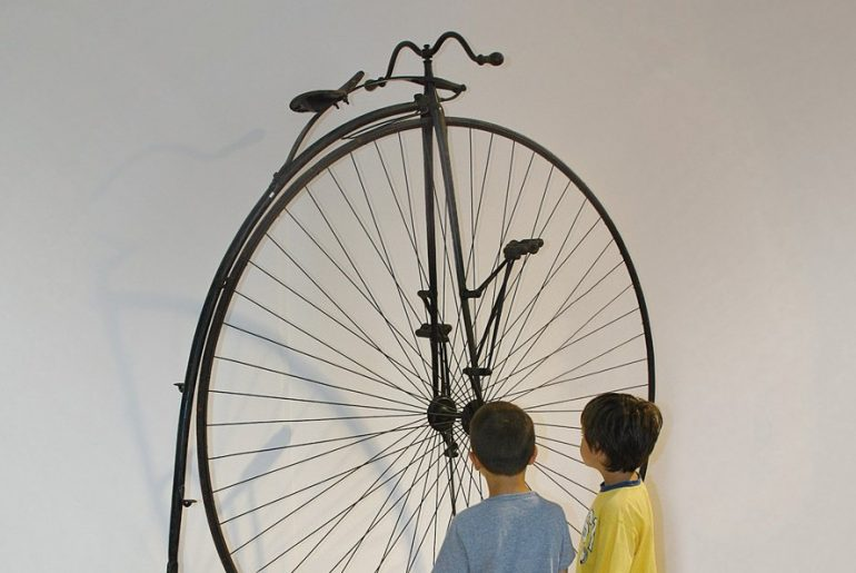 bici d'epoca al museo della scienza e tecnologia di milano