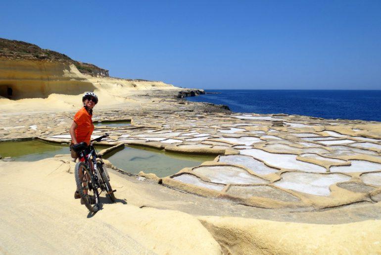 andare in bici in autunno 10 cose da sapere Le saline di Gozo