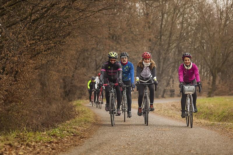 andare in bici in inverno: nella campagna a sud di Milano