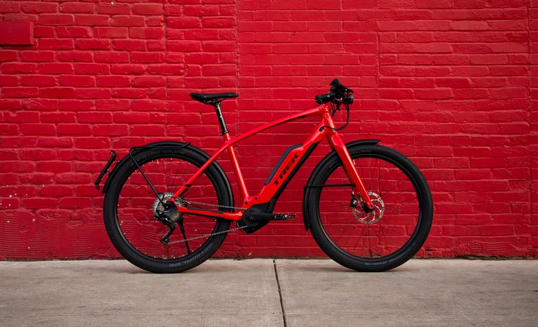biciletta elettrica Trek Super Commuter