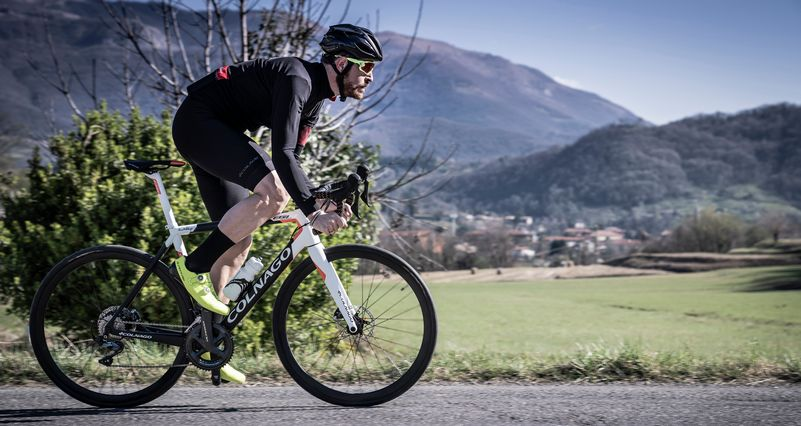 bici da corsa elettrica Colnago