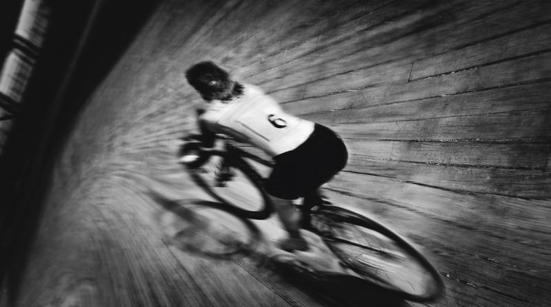 foto progetto su Alfonsina Strada di Ilona Kamps: velodromo vigorelli milano