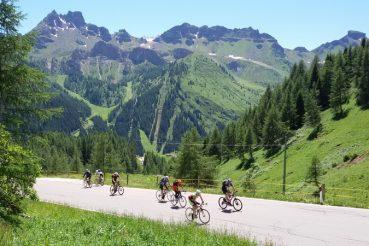 Dolomiti in bicicletta Sellaronda Mariateresa Montaruli Ladra di biciclette