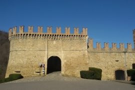 Castello di Vigoleno in bici