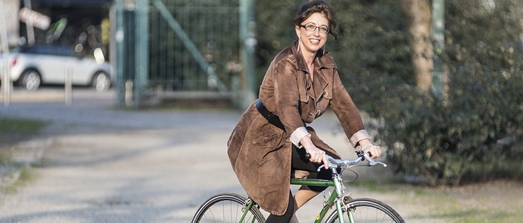 Mariateresa Montaruli in bici al Parco delle Basiliche Milano