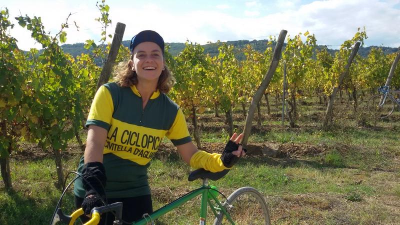 ciclista eroica nella tenuta di Dievole di Mariateresa Montaruli ladradibiciclette.it