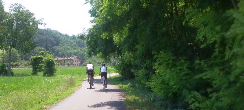 strade a bassa percorrenza di traffico per il cicloturismo in Emilia Romagna
