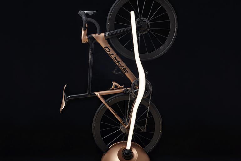 accessori per la bici lampada di design porta nici
