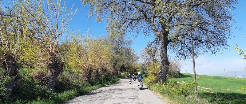 La strada Atri Teramo in Vespa
