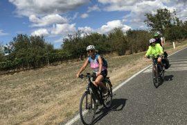 cammini storici in bicicletta Mariateresa Montaruli sulla via francigena toscana