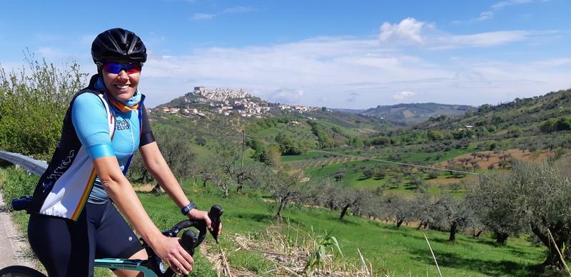Cecilia Mendes nella Valle del Foro in Abruzzo