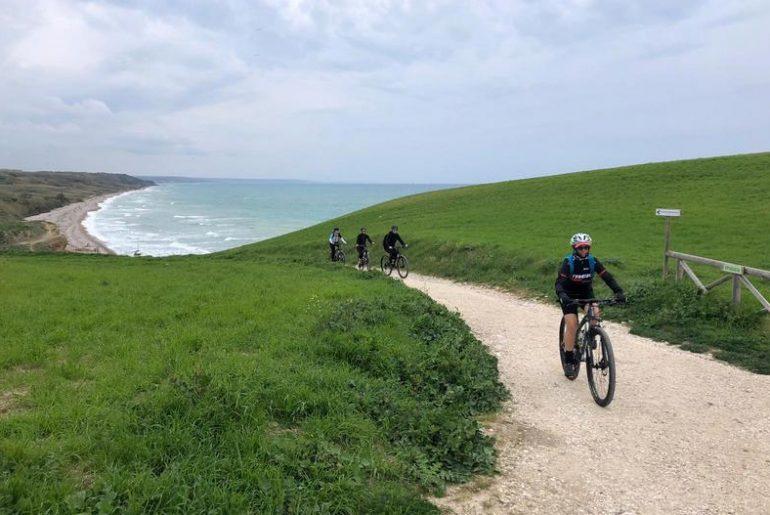 In bici in Abruzzo: la ciclovia adriatica e buoni motivi per un viaggio in bicicletta