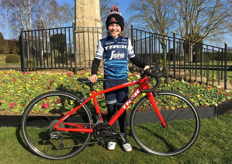 Ruby Isaac piccola ciclista inglese