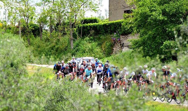 strade secondarie al Giro-e
