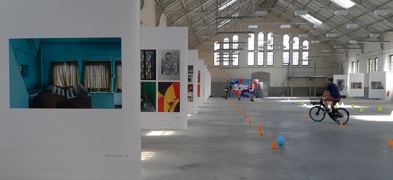 Mostra di fotografie nella Caserma d'Ixelles a Brussels
