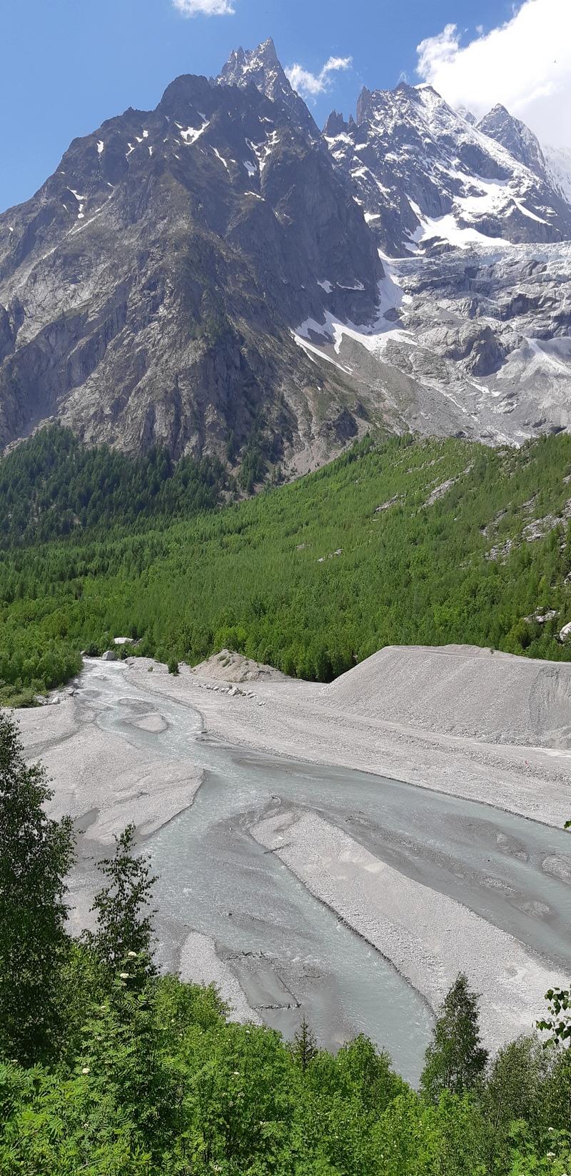Aigiulle Noire, Monte Bianco, vista dalla Val Vény