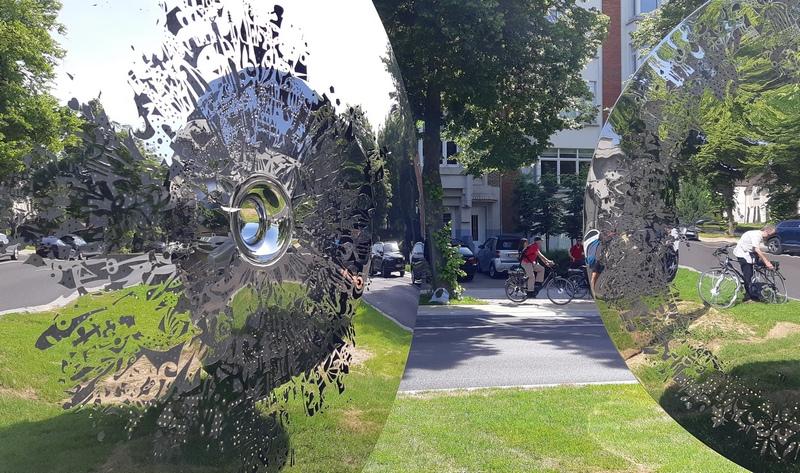 In bicicletta tra le installazioni d'arte a Brussels