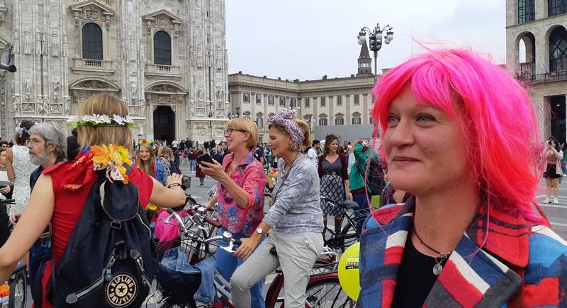 donne in bici a Milano per fancy women ride