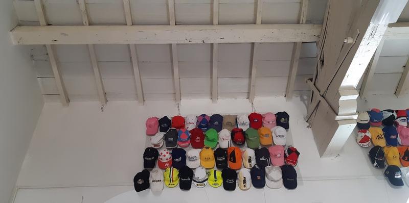 cappellini da ciclista museo ciclismo la spezia