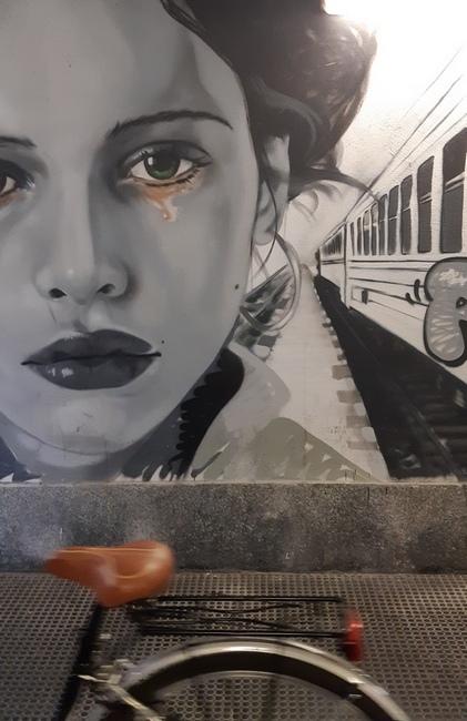 bici stazione porta genova milano con murale ph mariateresa montaruli blog ladra di biciclette