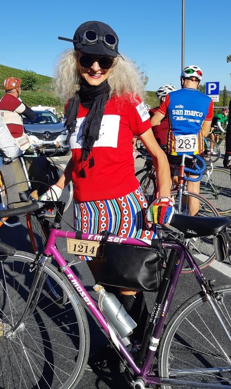 donna ciclista Eroica 2019 Cantine Ricasoli