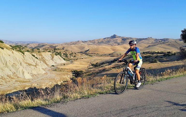 basilicata calanqchi in bicicletta itinerario su strada