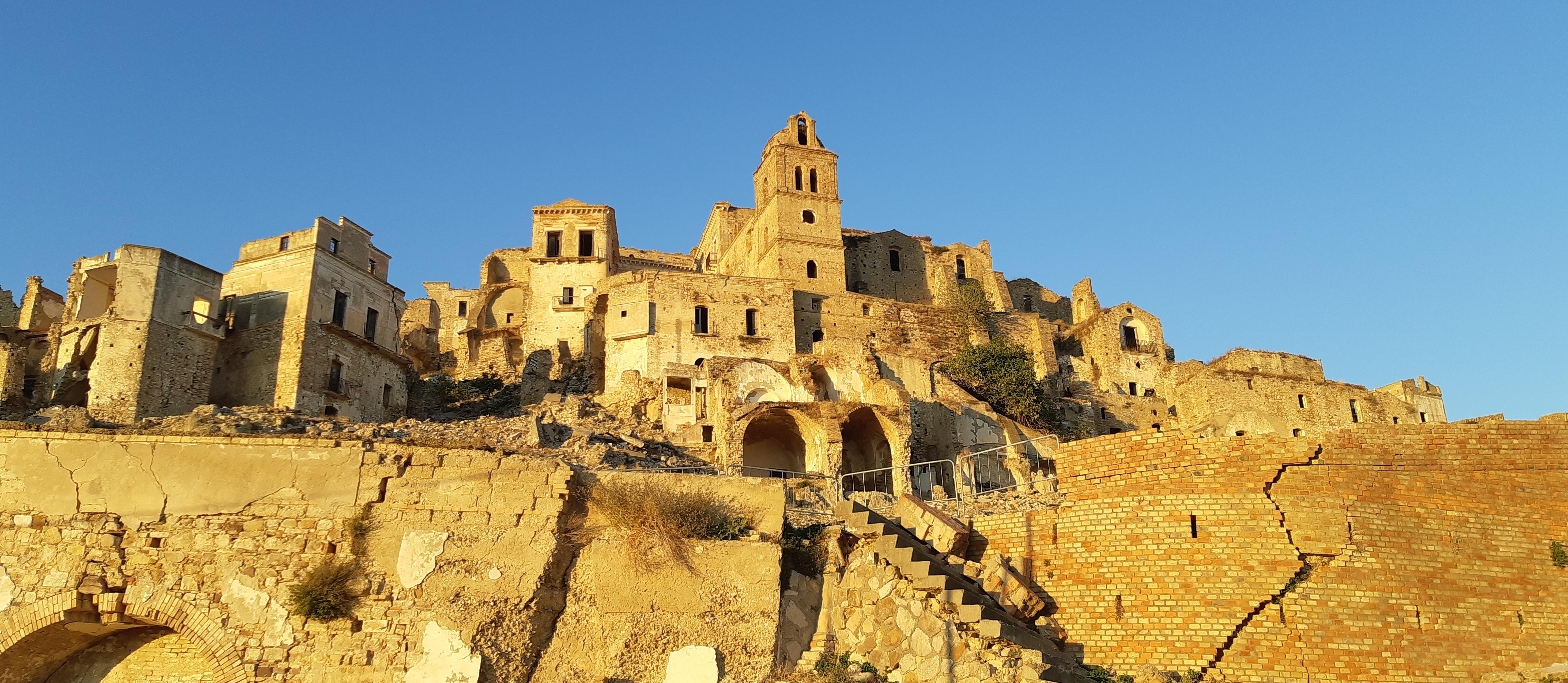 il paese fantasma di Craco in Basilicata