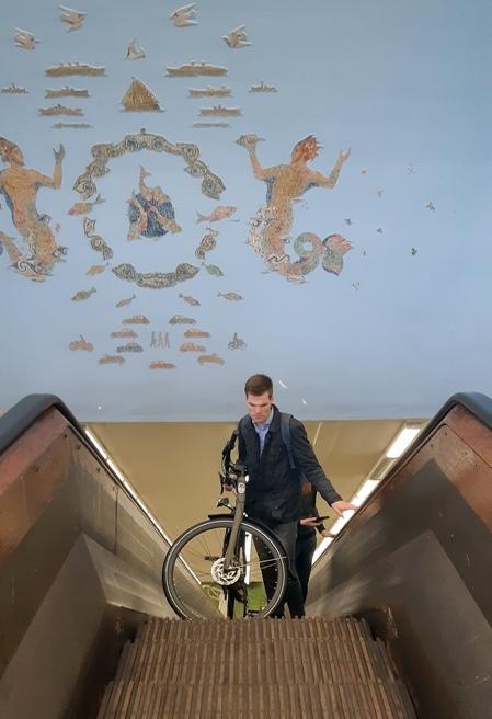 tunnel ciclabile con scale mobili rotterdam ph Montaruli