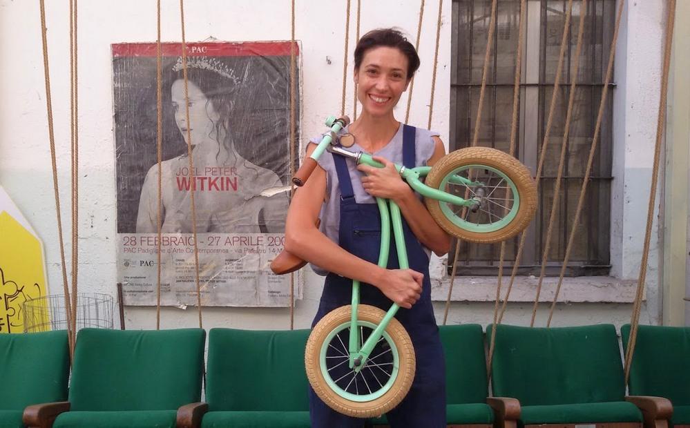 antonella pesenti fridabike nel suo negozio di bici cargo a Milano ph Mariateresa Montaruli