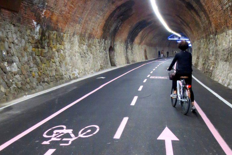 galleria capo nero ciclabile ponente ligure, greenway ricavata da ferrovia