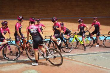 team femminile su pista velodromo vigorelli milano
