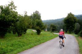 in bici da strada in Alta Langa