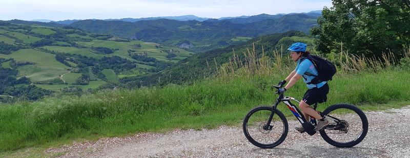 appennino tosco emiliano in bici