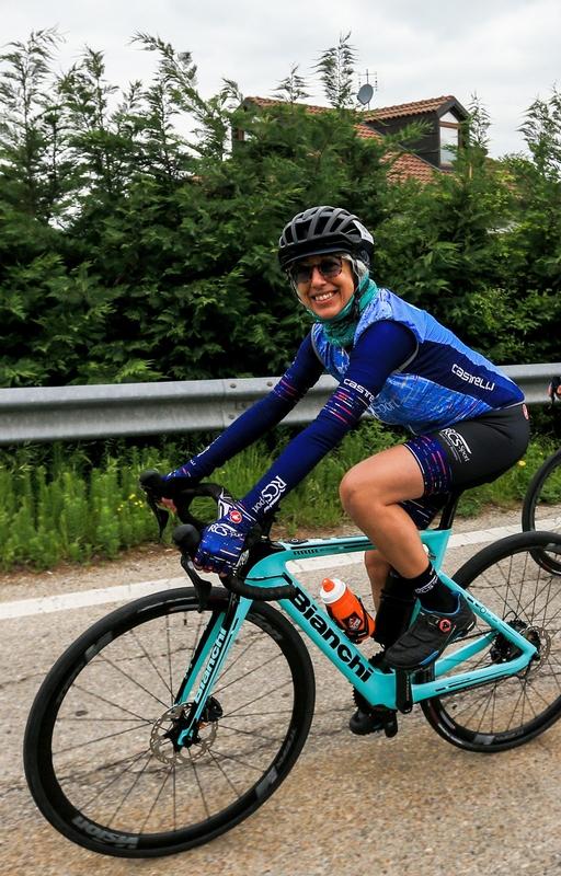 gilet indossato al Giro E tappa Alba Canale 2021